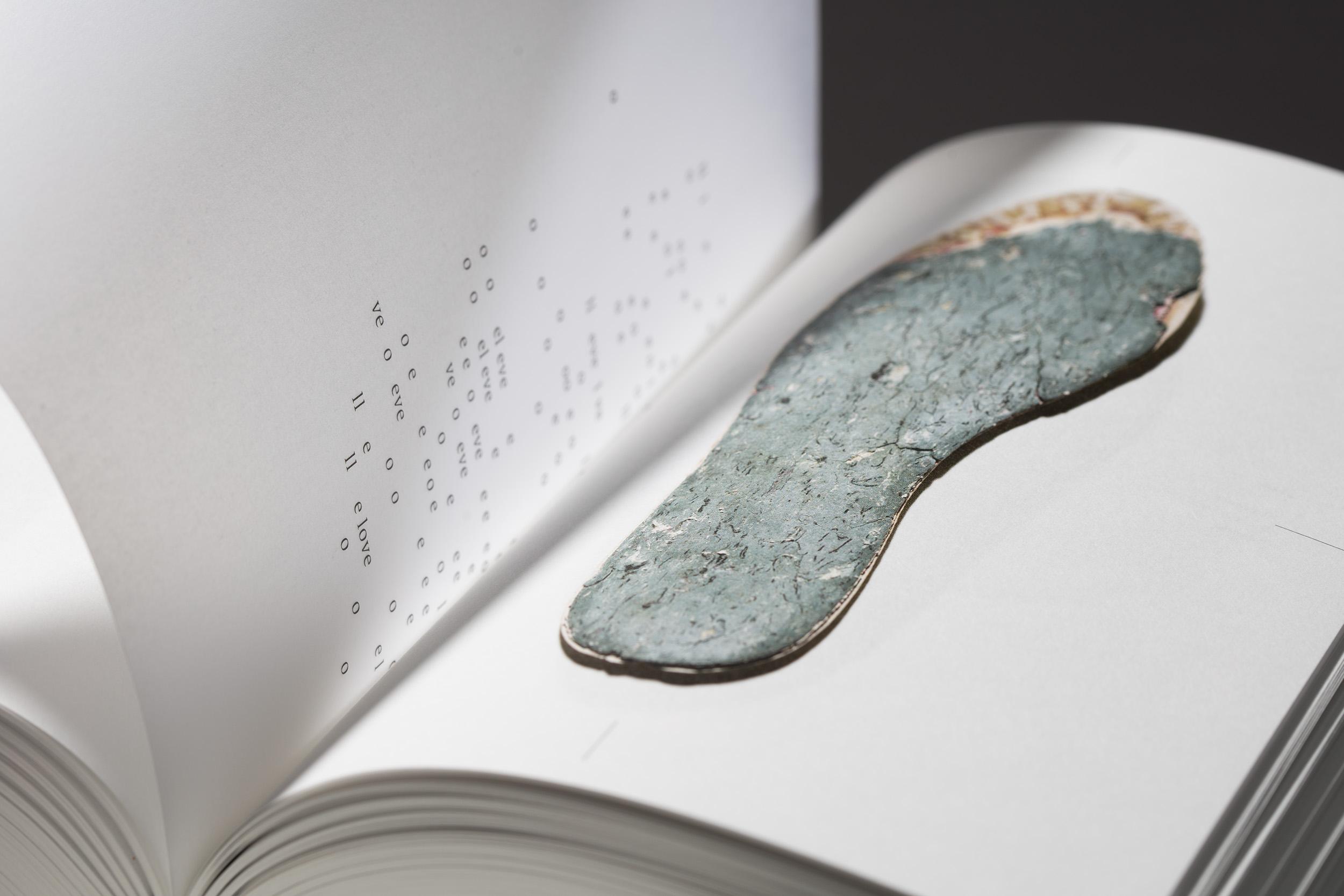 worthless_book2178 Kopie.jpg