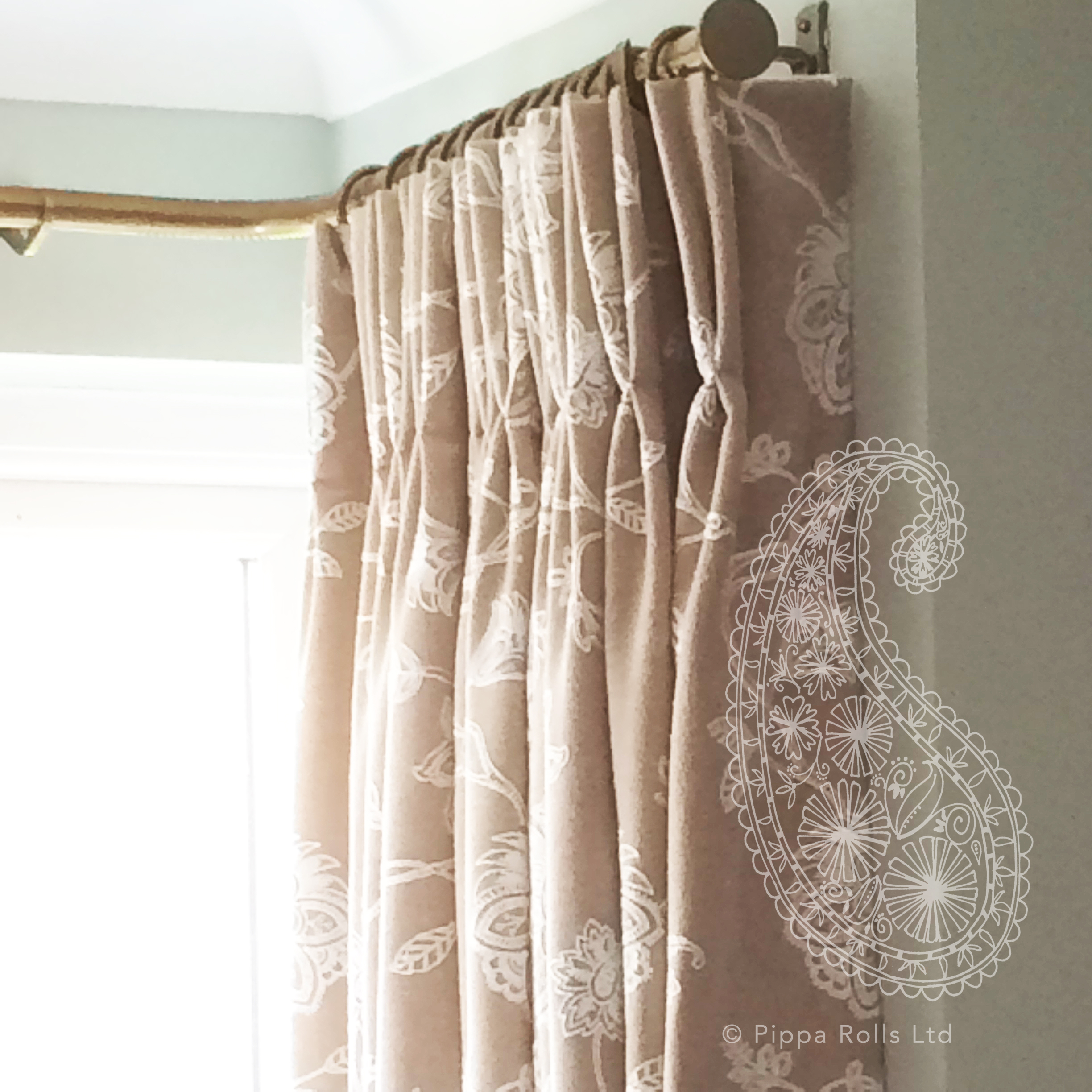 Curtain return detail on bay window Pippa Rolls Limited jpeg.jpg