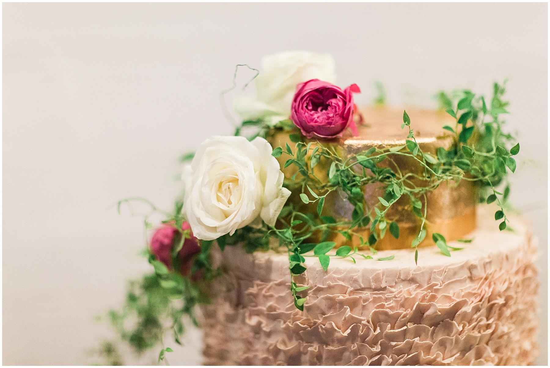 AliciaLandman_JoleneandZander_Wedding_The Pretty Blog_0413.jpg