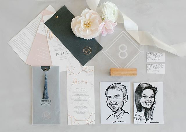How beautiful is this stationery set from Mignon & Pieter's wedding by the very talented @lanalouw? Each guest was gifted with an illustrated portrait of themselves that was also used to indicate their table placement!  #alicialandmanphotography#capetownweddingphotographer#southafricanweddingphotographer