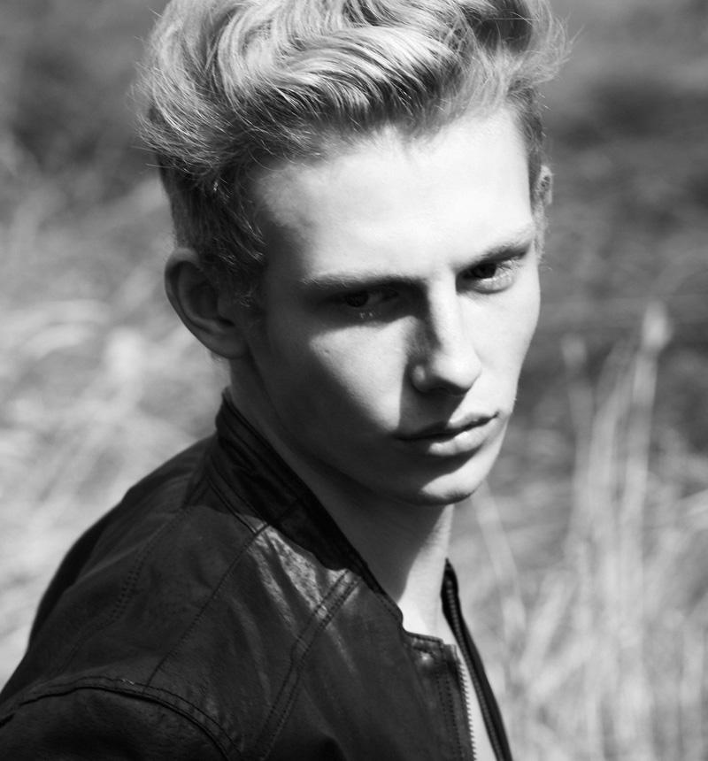 SAM-WALKER-Select-Models-Melissa-Uren-Photography-Look-10135-final-web.jpg
