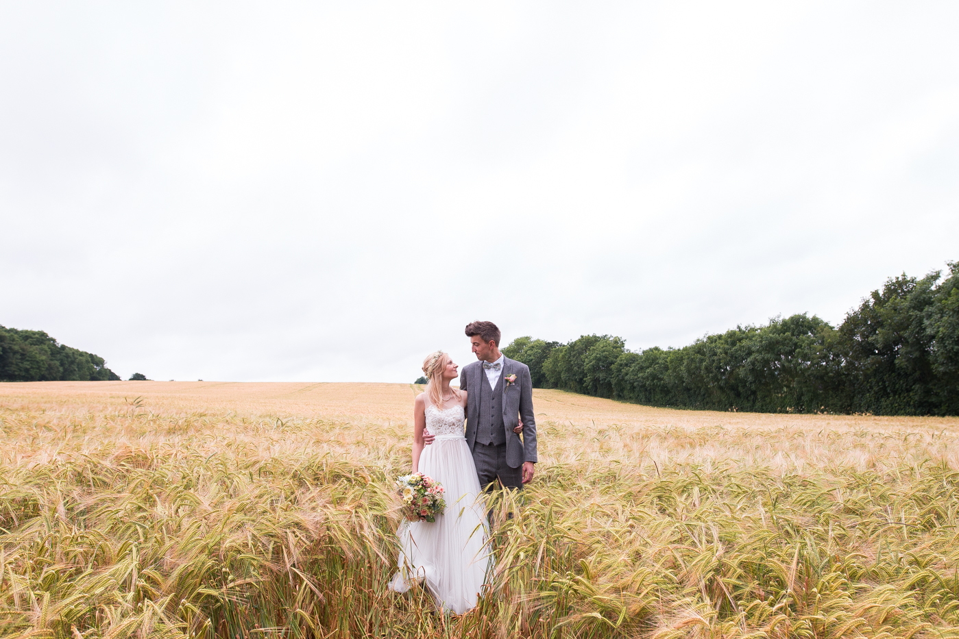 outdoor-tipi-festival-wedding