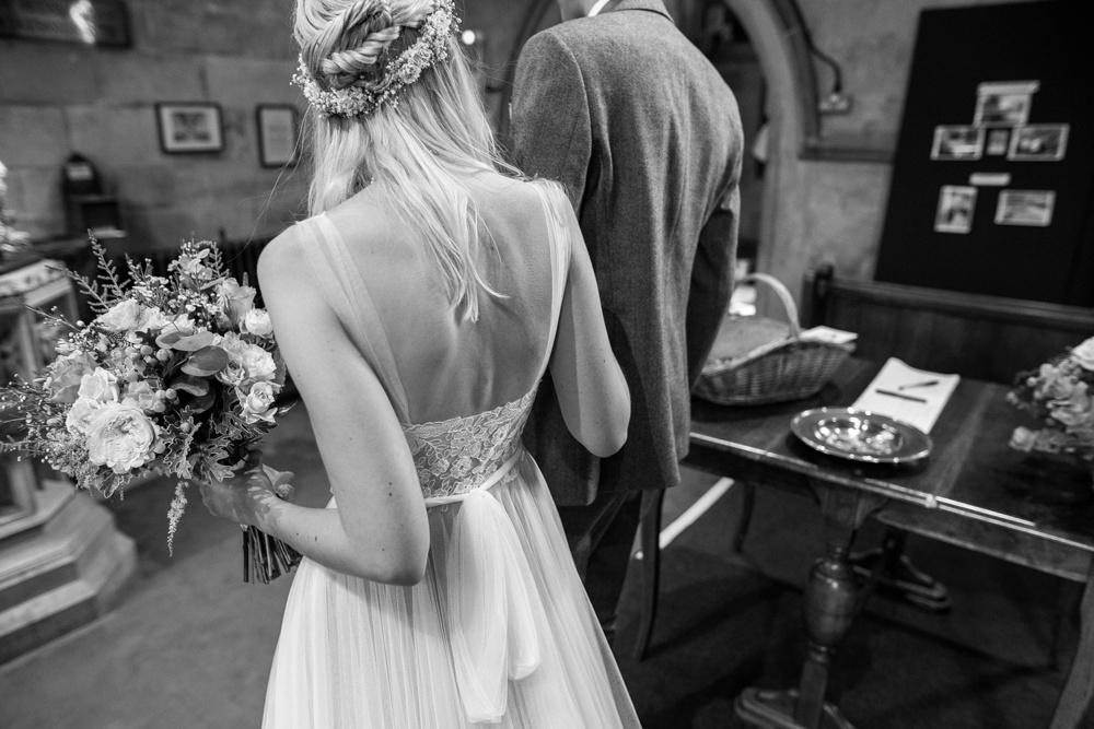 north-yorkshire-wedding-photographer-tipi-wedding-0030.jpg