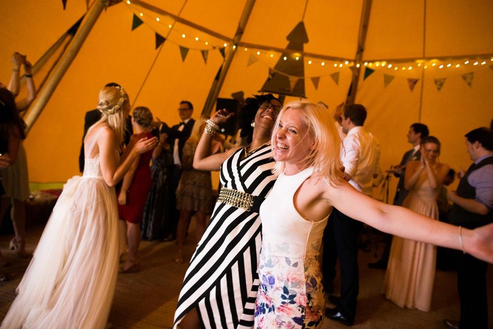 north-yorkshire-wedding-photographer-tipi-wedding-0079.jpg