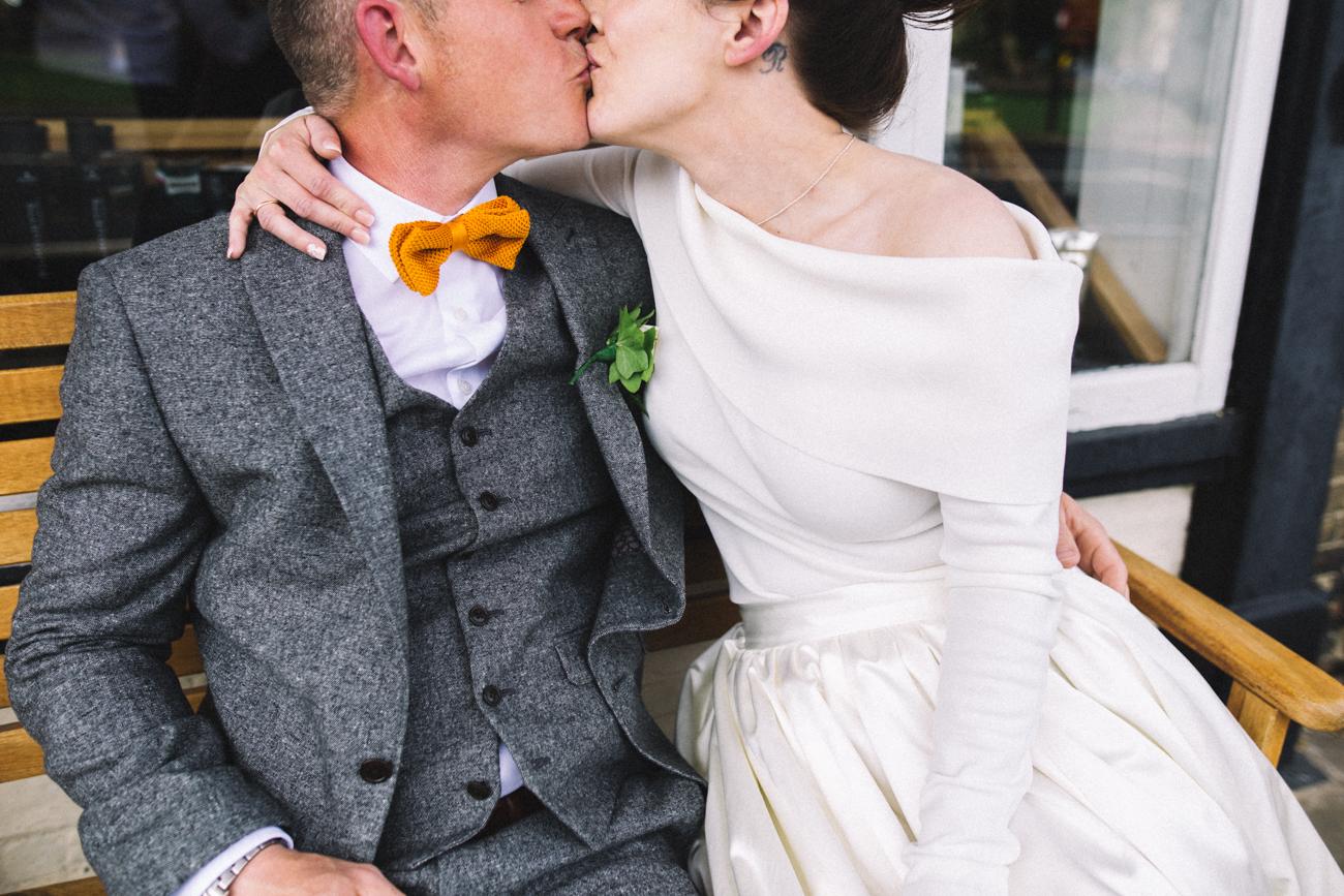the-poets-house-ely-cambridge-wedding-0024.jpg