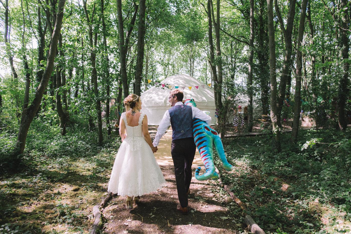 applewood-weddings-leeds-west-yorkshire-wedding-photography-outdoor-wedding
