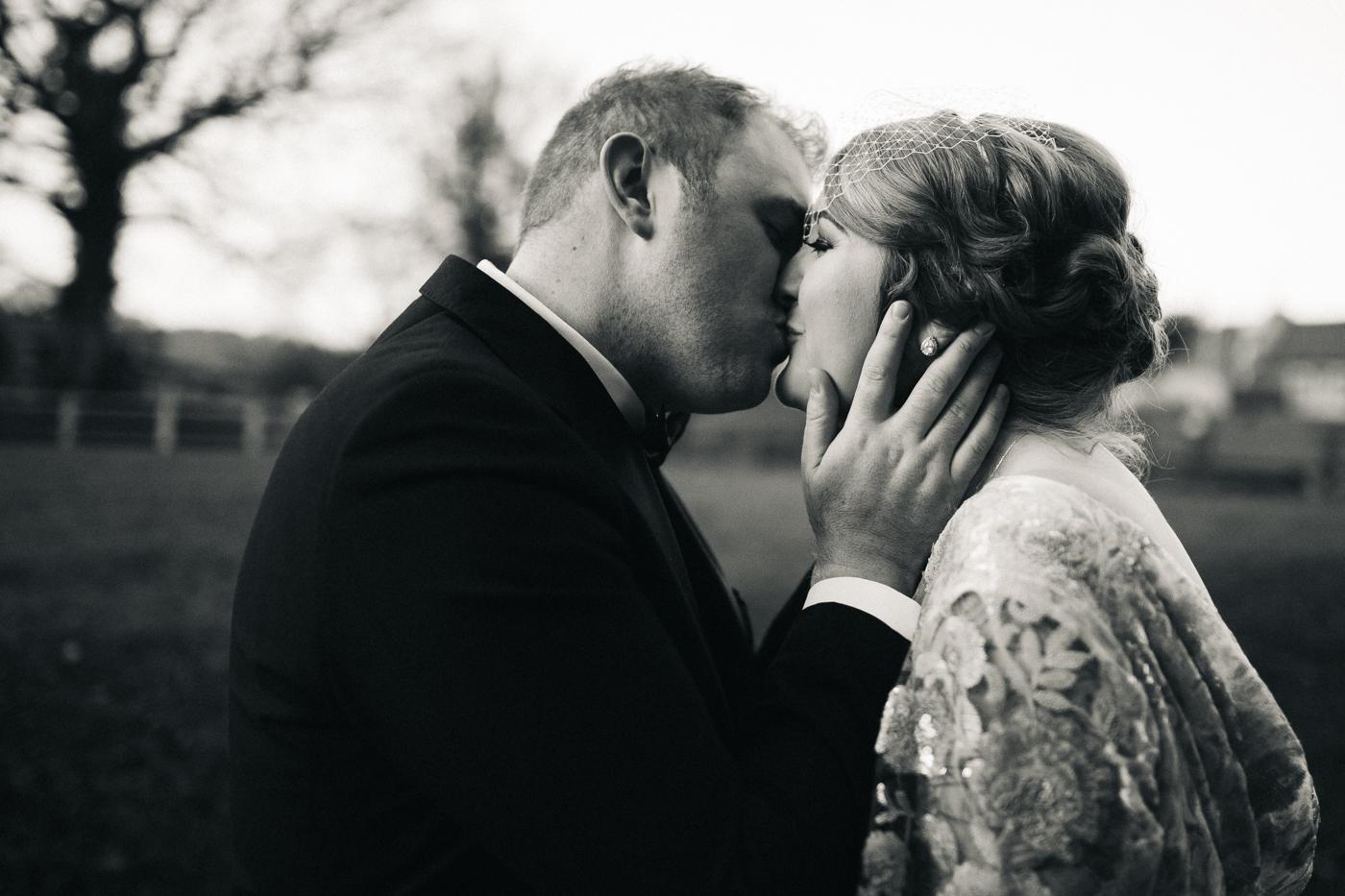derby-derbyshire-wedding-photographer-creative-white-hart-inn-wedding-0009.jpg