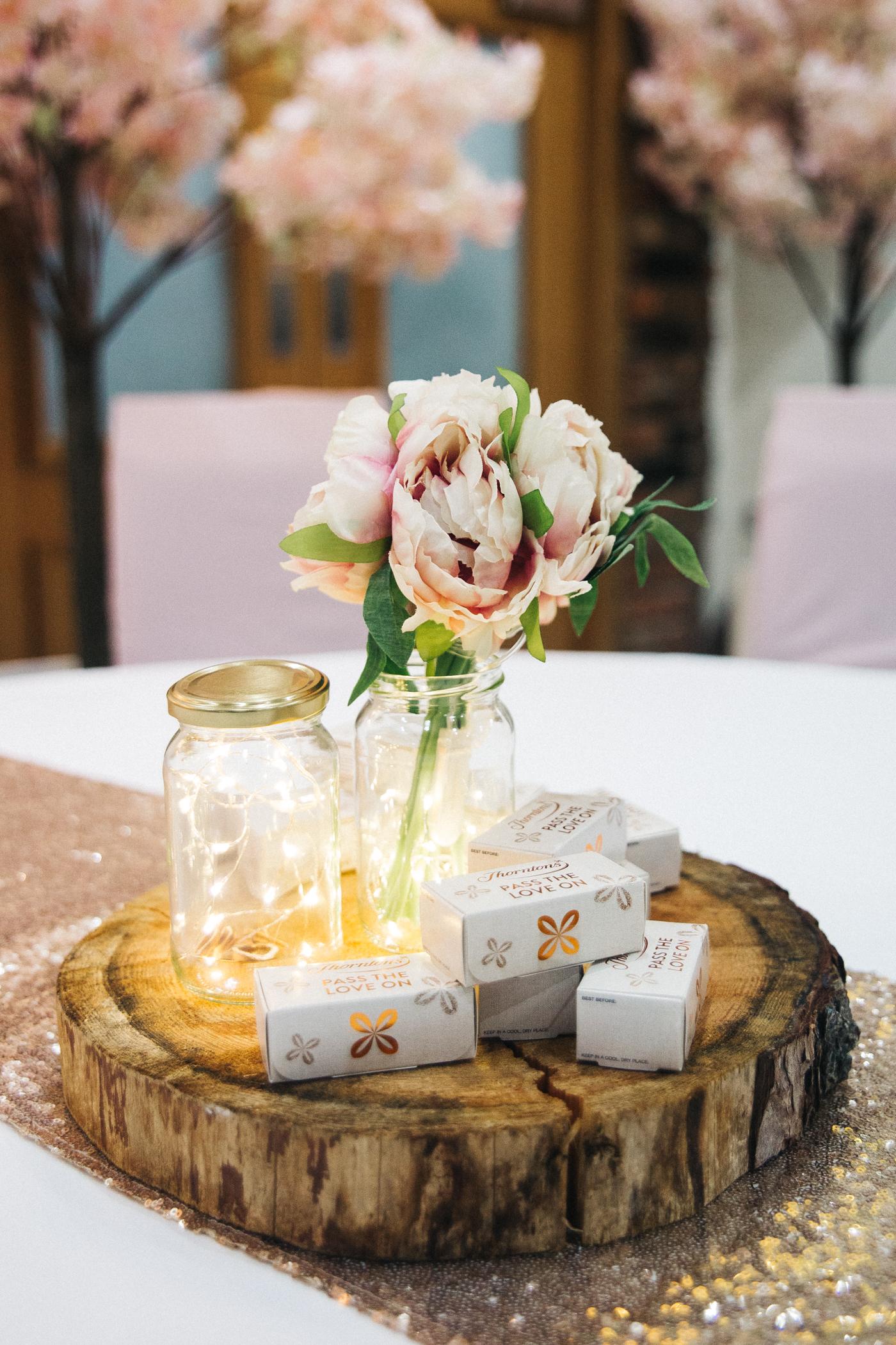 derby-derbyshire-wedding-photographer-creative-white-hart-inn-wedding-0031.jpg