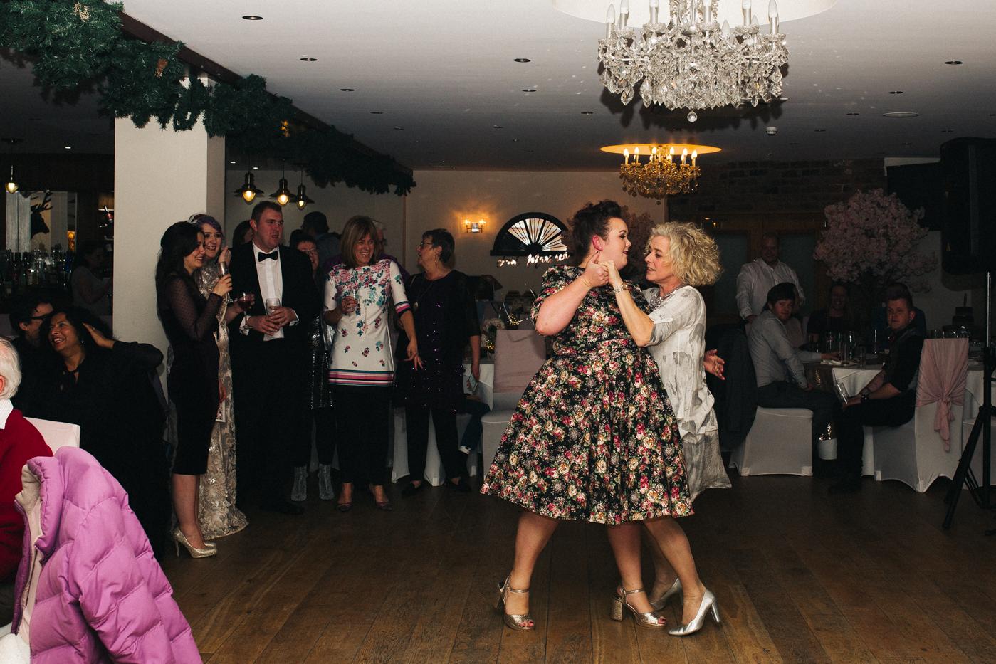 derby-derbyshire-wedding-photographer-creative-white-hart-inn-wedding-0037.jpg