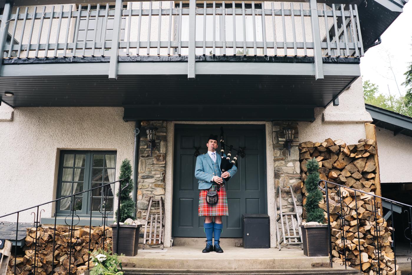 scottish-wedding-trossachs-loch-tay-highlannds-relaxed-photography-photographer-0011.jpg