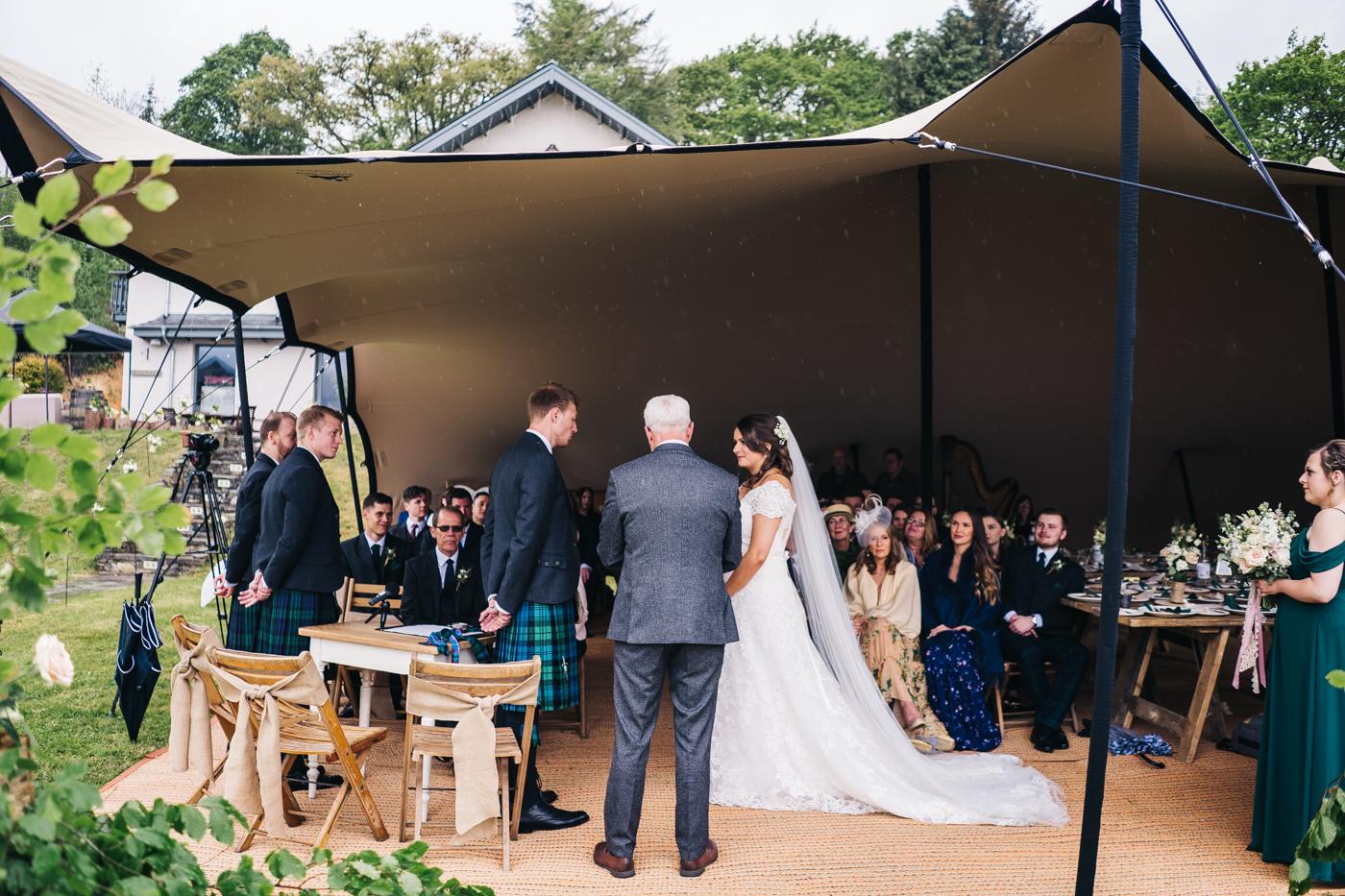 scottish-wedding-trossachs-loch-tay-highlannds-relaxed-photography-photographer-0017.jpg