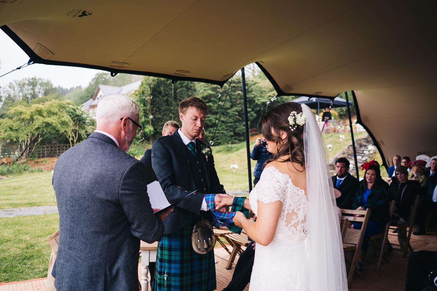 scottish-wedding-trossachs-loch-tay-highlannds-relaxed-photography-photographer-0022.jpg