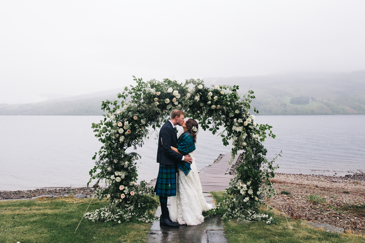 scottish-wedding-trossachs-loch-tay-highlannds-relaxed-photography-photographer-0041.jpg