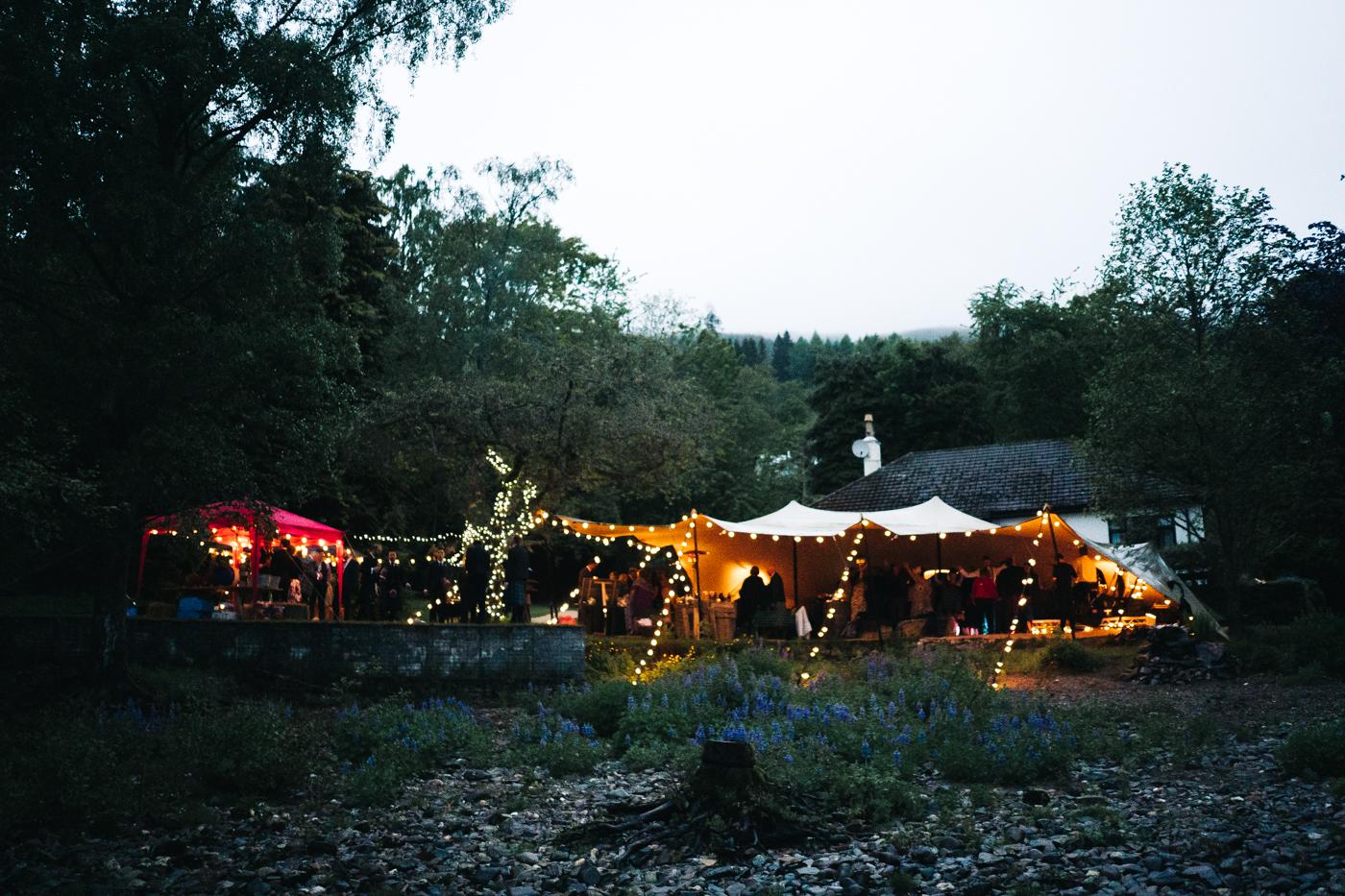 scottish-wedding-trossachs-loch-tay-highlannds-relaxed-photography-photographer-0051.jpg