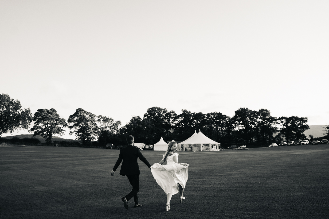 north-yorkshire-marquee-wedding-photographer-teesside-north-east-wedding-photography-0086.jpg