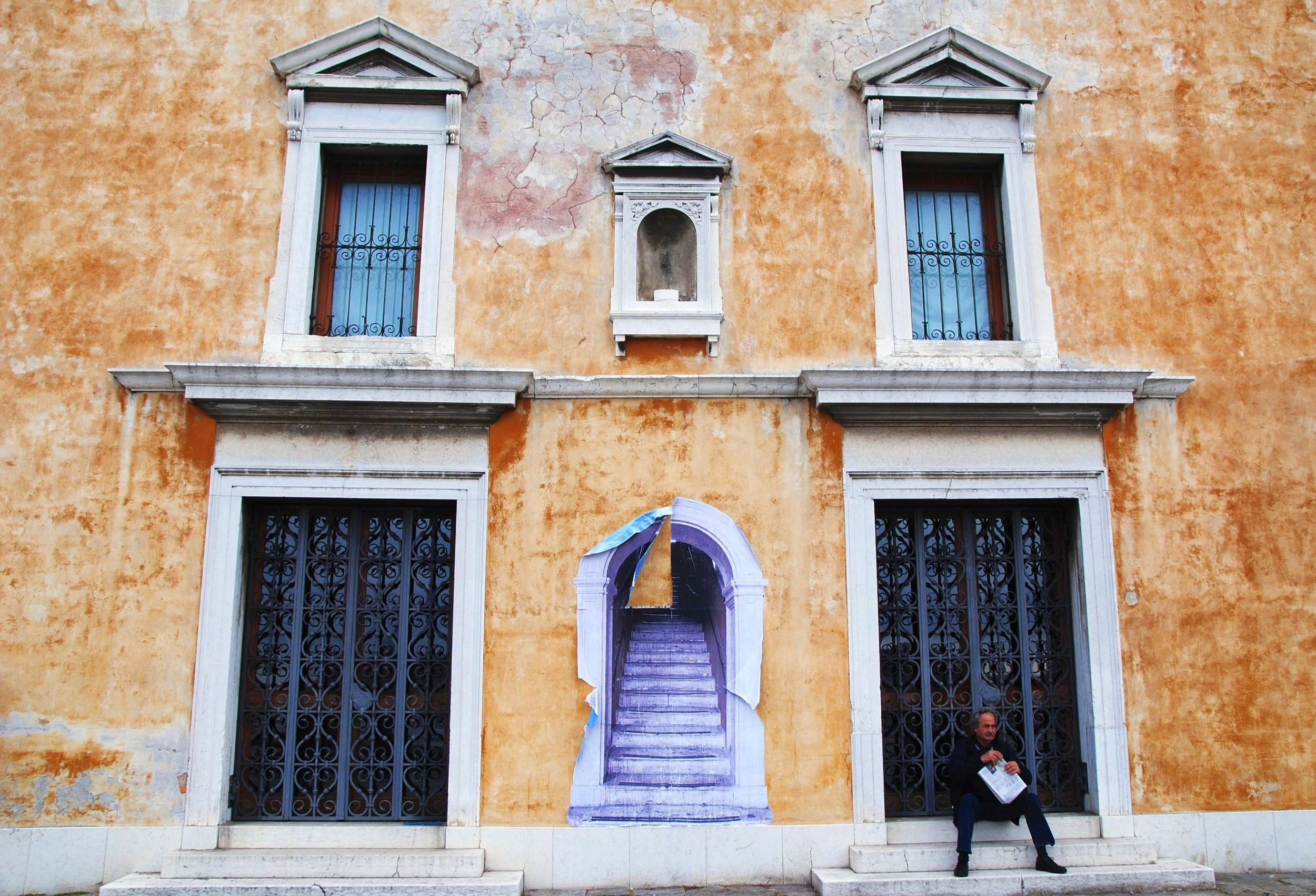Copy of Sit Read Wait - In Venice