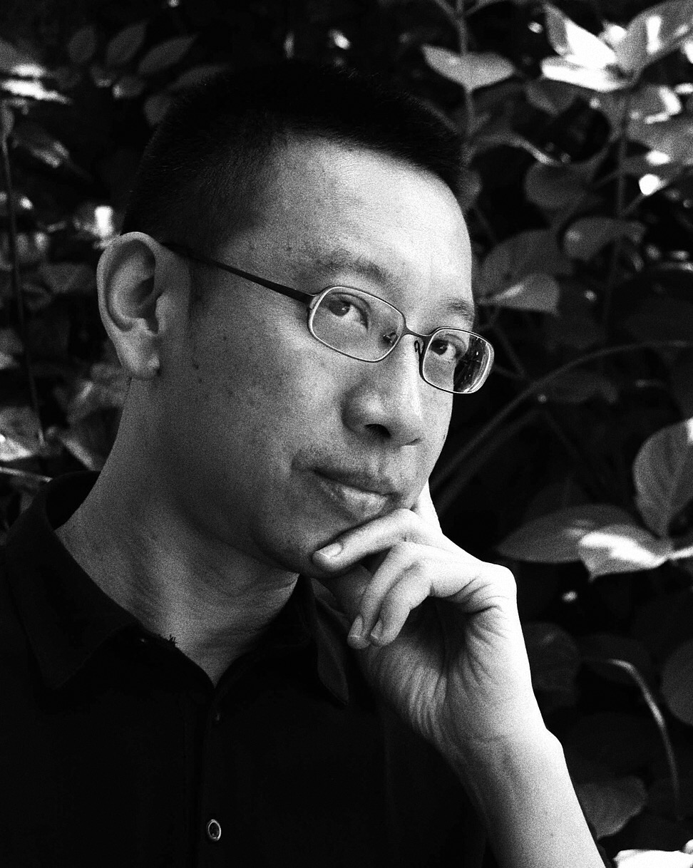 Alvin Pang  is a poet, writer and editor from Singapore.  He is a Fellow of the Iowa International Writing Program, an advisor to the International Poetry Studies Institute, and a founding director of The Literary Centre, Singapore. Listed in the Oxford Companion to Modern Poetry in English, he has appeared in festivals and publications worldwide. His writings have been published in more than twenty languages,including Swedish, Macedonian, Croatian and Slovene.  His recent publications include  Tumasik: Contemporary Writing from Singapore (Autumn Hill, USA: 2010), What Gives Us Our Names  (Math Paper Press: 2011), Other Things and Other Poems  (Brutal, Croatia: 2012), When The Barbarians Arrive (Arc Publications, UK: 2012), UNION: 15 Years of Drunken Boat / 50 Years of Writing from Singapore  (Ethos/Drunken Boat 2015), and  När barbarerna kommer  (Rámus Forlag, Sweden: 2015).