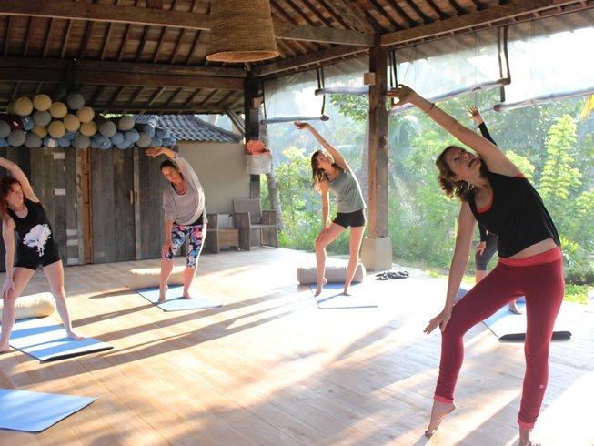 vegan-yoga-retreat-bali.png