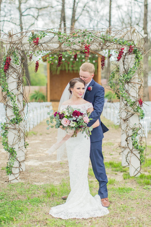 outdoor-mississippi-spring-wedding_0026.jpg