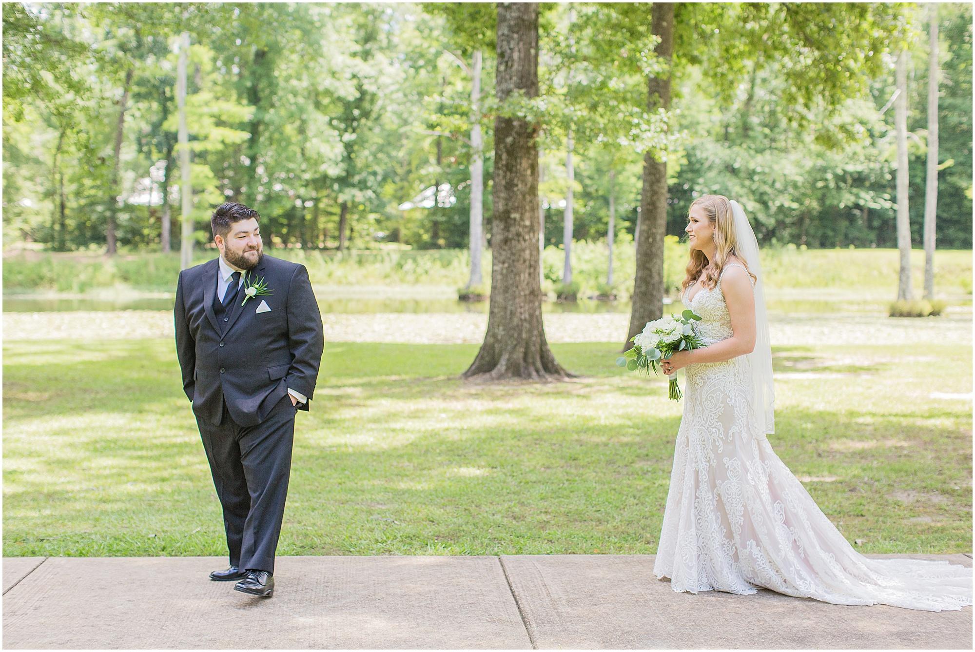 mississippi-summer-wedding-mcclain-lodge_0012.jpg