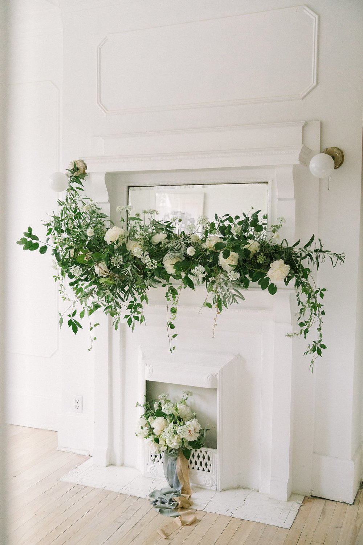 Ellen-Ashton-Photography-Destination-Wedding-Photographer-Montreal-Canada-Weddings-chateau-ramezay-wedding338.jpg