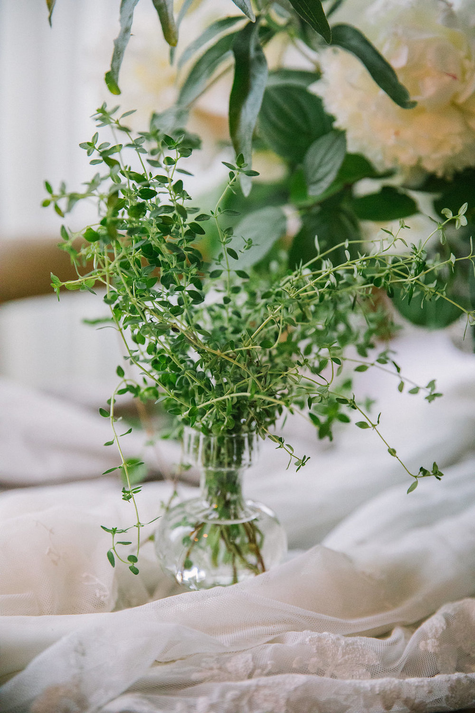 Ellen-Ashton-Photography-Destination-Wedding-Photographer-Montreal-Canada-Weddings-chateau-ramezay-wedding540.jpg