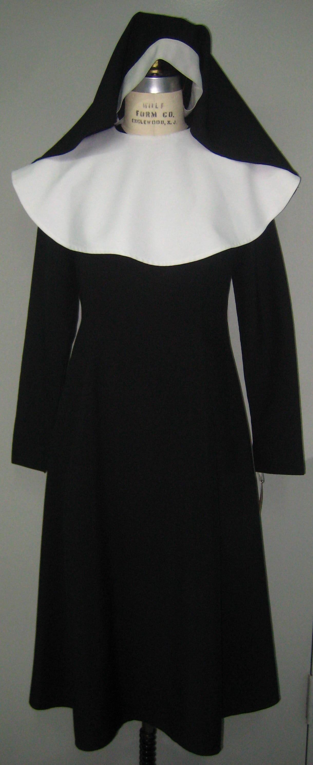 Nun Habit w  Tunic Dress, Collar, Veil.JPG