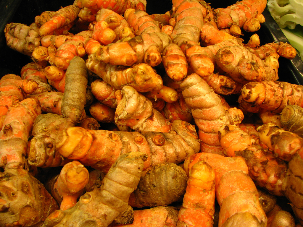 Turmeric root  -  Image courtesy of Melanie Cook (Flickr)