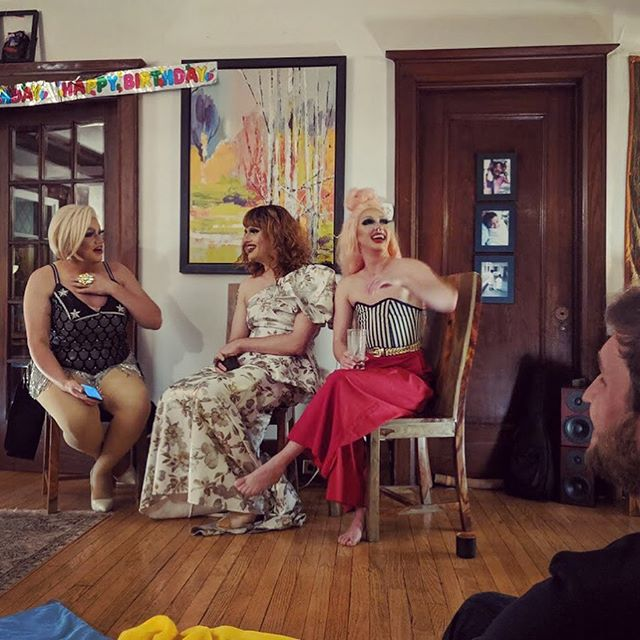 ArteryTalk: Three cornerstones of Toronto's drag community - @tiffany.boxx, @quicklewinsky, and @erinbrockobic - gathered to share their stories and experiences in host Kate's living room. Perspective shifts & connections made by people in a room together who might not normally find themselves in a room together. To many more nights like this. 💜#everyspaceisastage #arteryToronto #arterytalks