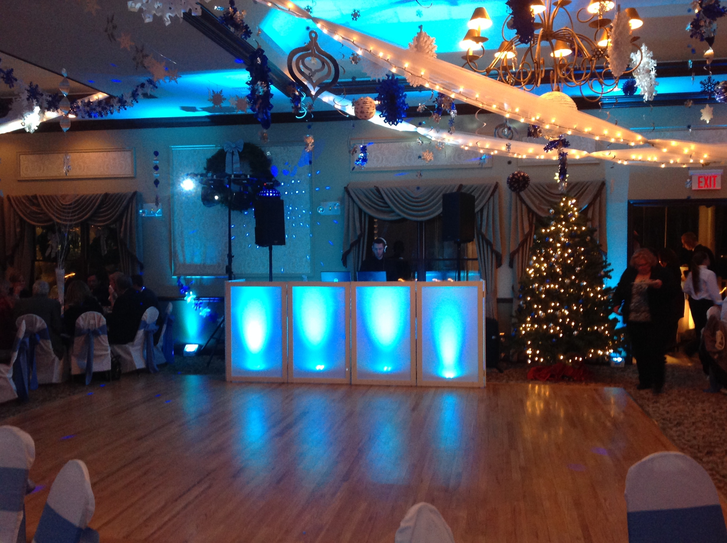 VENUE STANTON RIDGE HOLIDAY THEME2.JPG