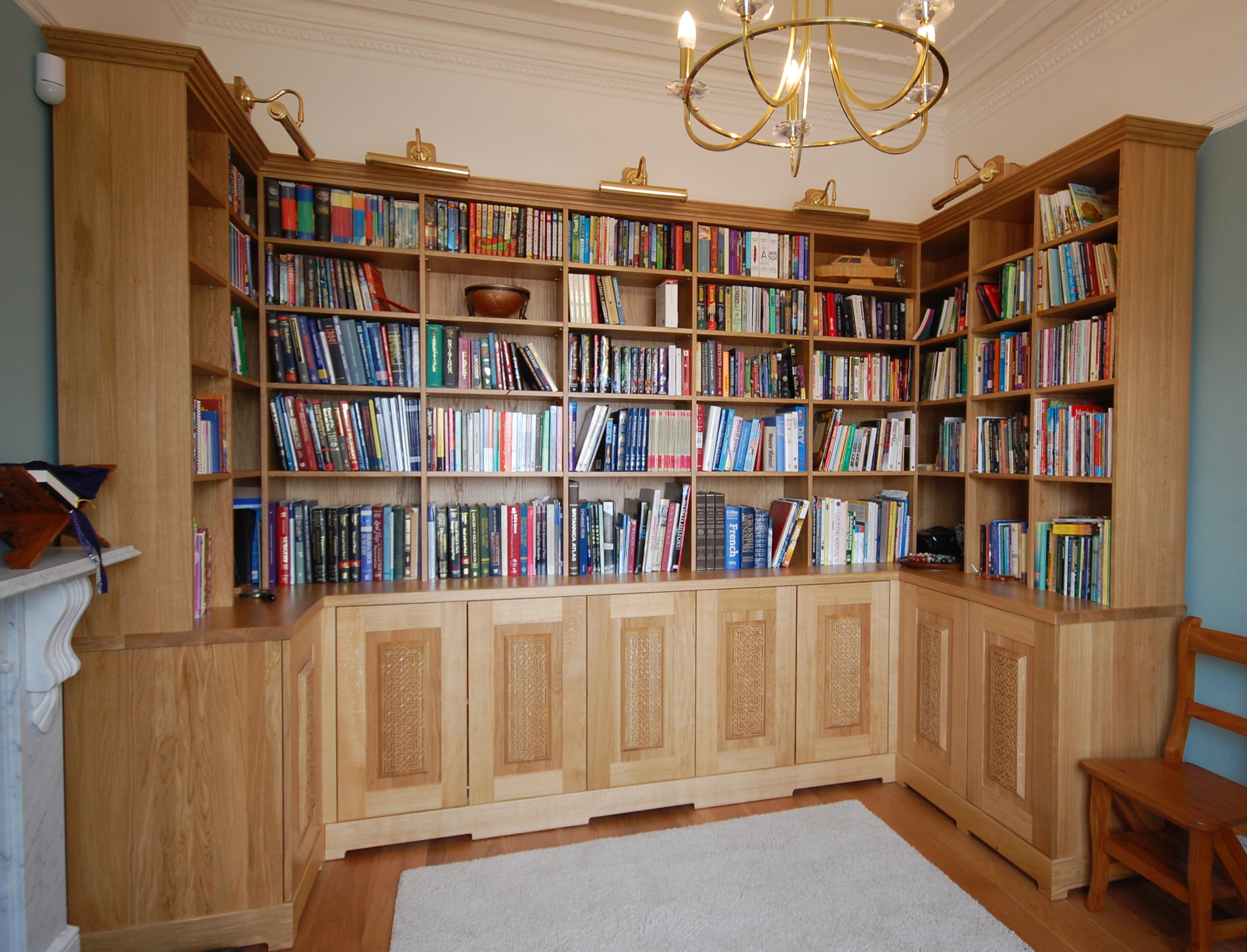 Grain_Bespoke_Furniture_Solid_Oak_Library.jpg