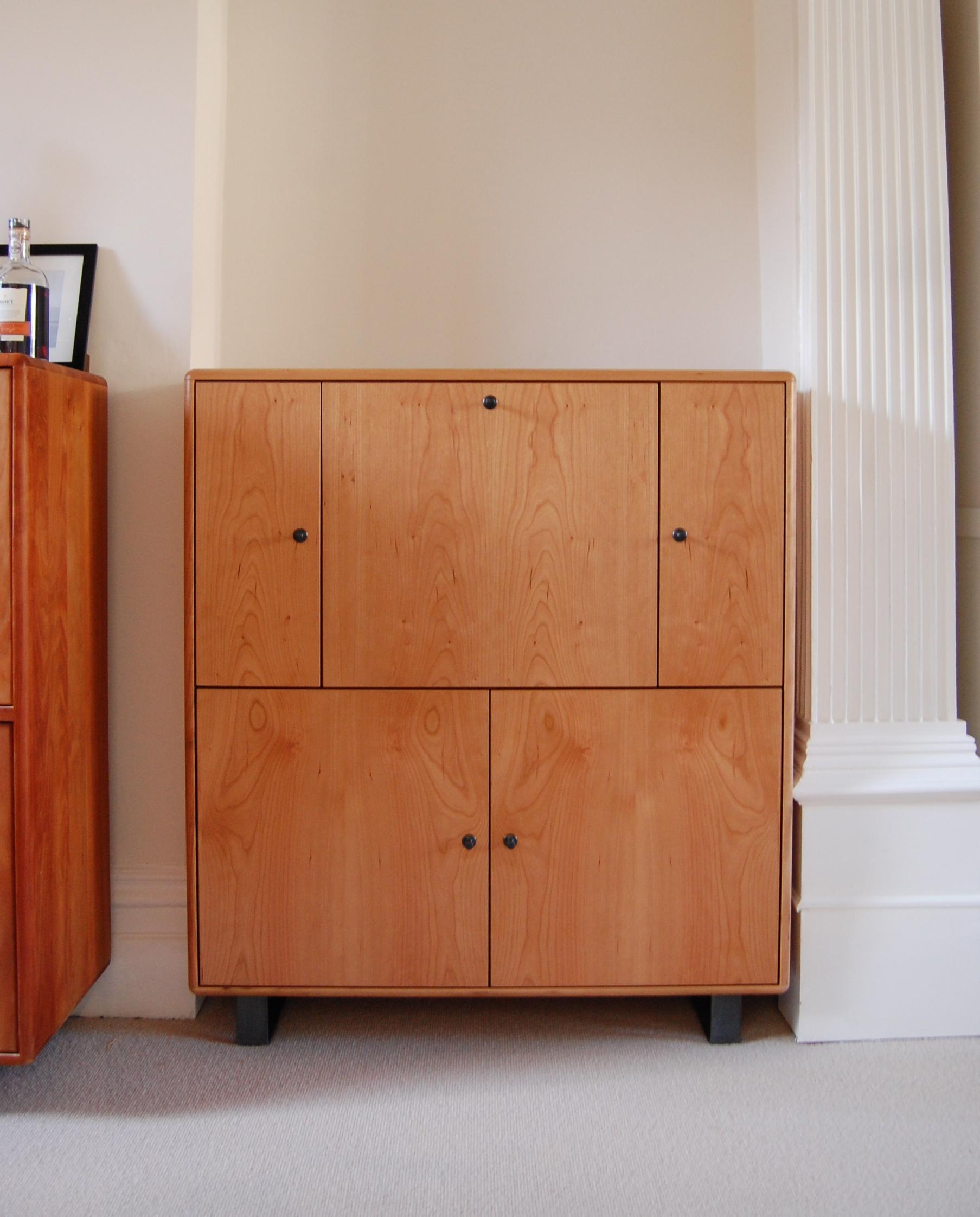 Grain_Bespoke_Furniture_Cherry_Drinks_Cabinet.jpg