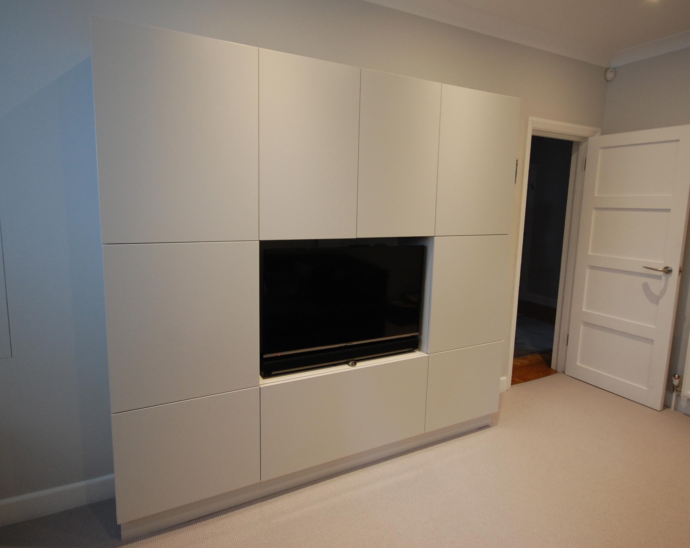 Grain_Bespoke_Furniture_White_Sprayed_TV_Unit.jpg