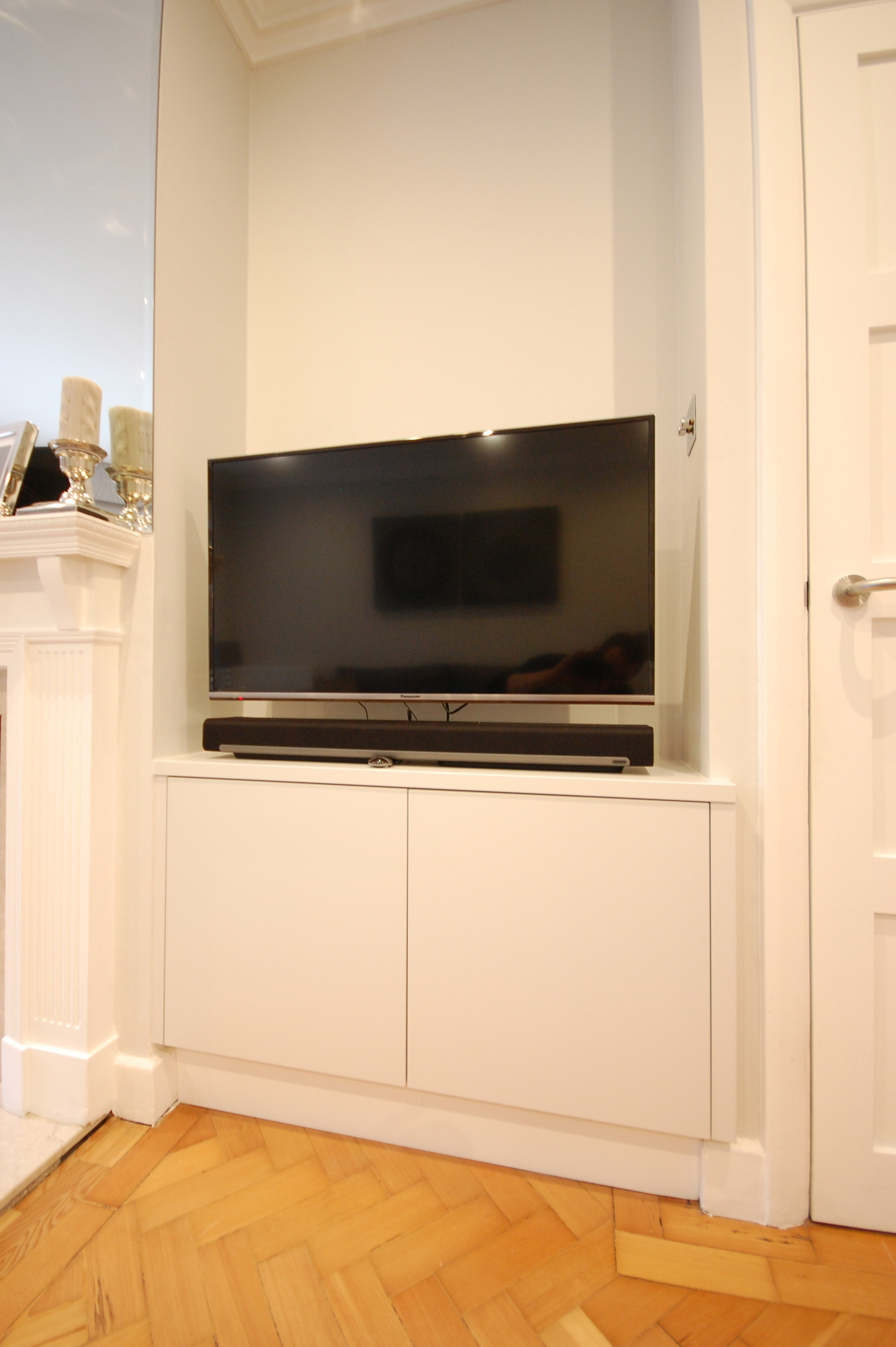 Grain_Bespoke_Furniture_White_Sprayed_Cabinet_2.jpg