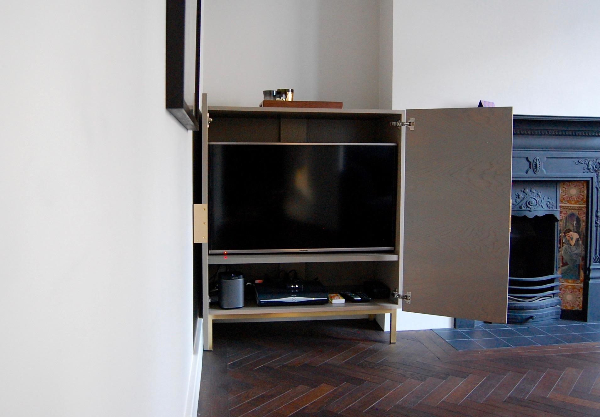 Grain_Bespoke_Furniture_TV_Cabinet_2.jpg