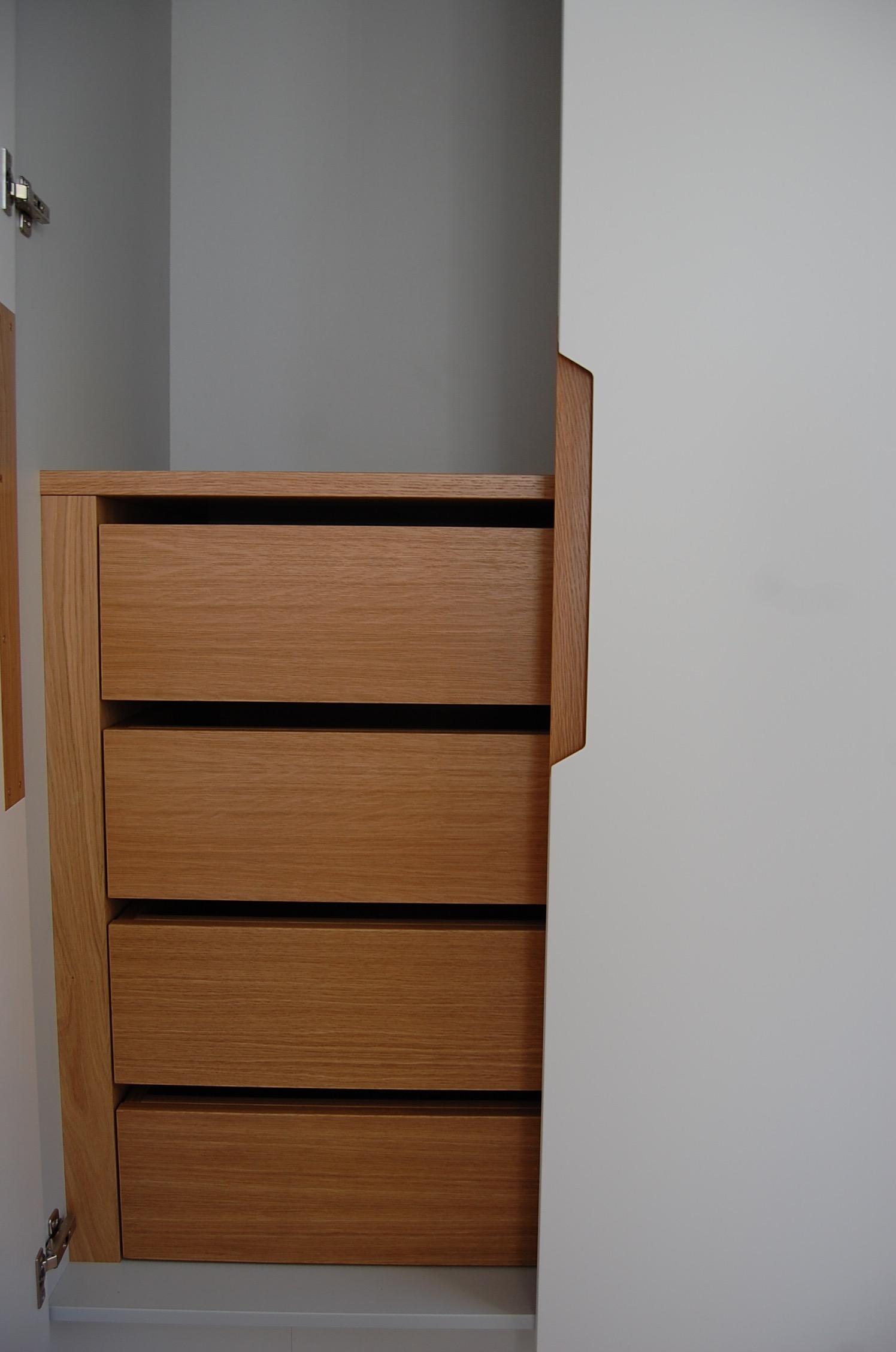Grain_Bespoke_Furniture_Chelsea_Wardrobe_3.jpg