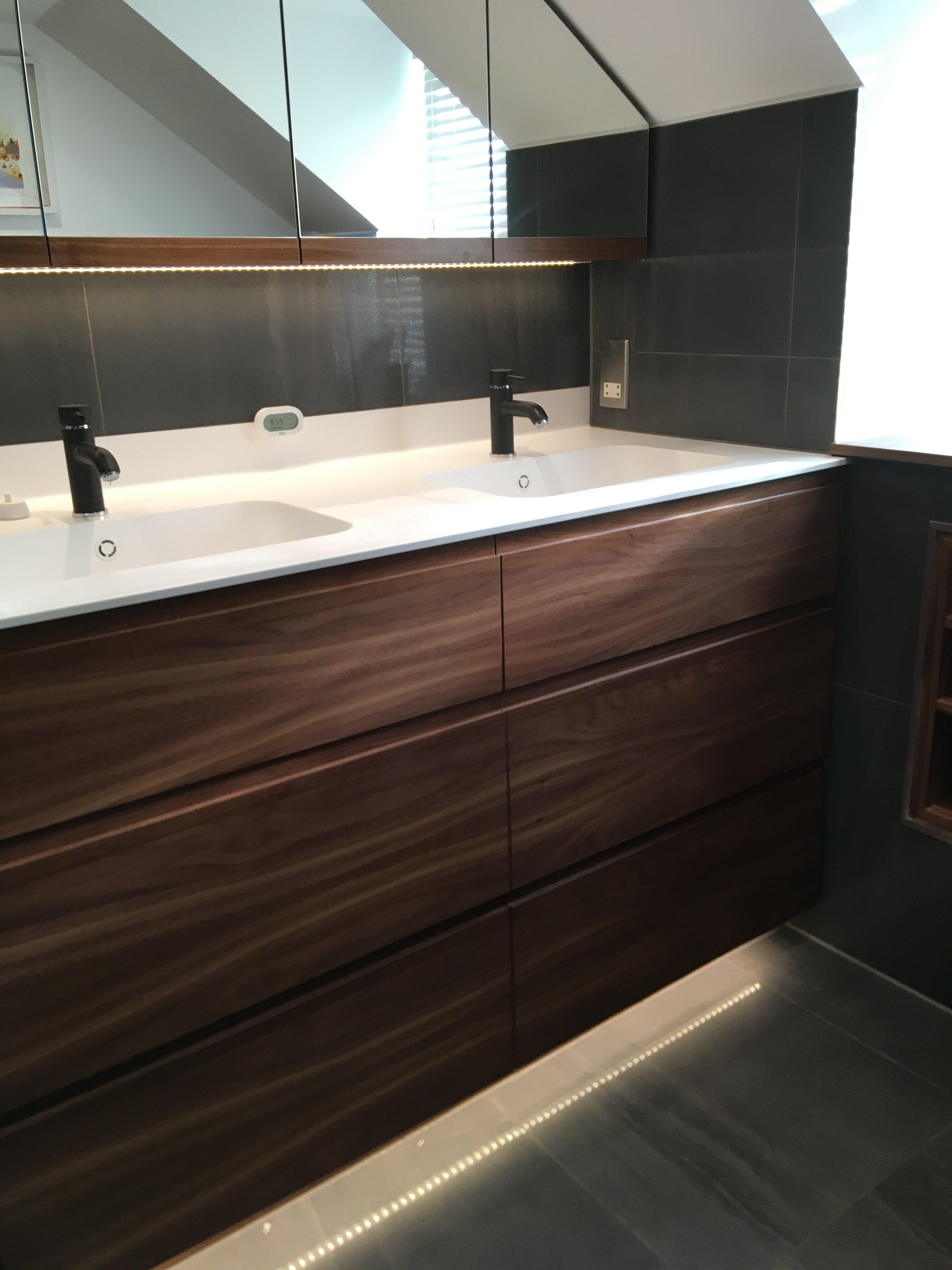 Grain_Bespoke_Furniture_Surrey_Bathroom_1.JPEG