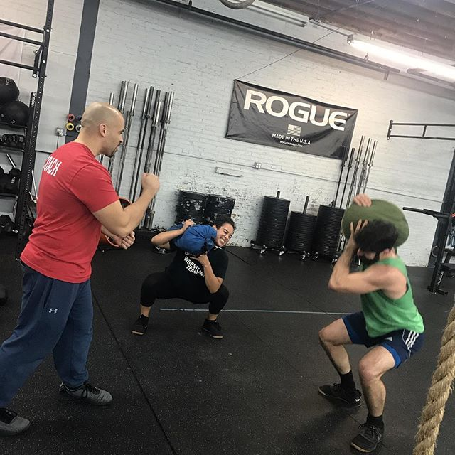 Don't skip HIITFit on Thursday's! You never know when Coach @dannymar_xfit is gonna throw in a pop-up Strongman! ⁣ ⁣ #strongman #crossfit #hiitfit #booty #sandbag #squats #workout #gym #ridgewood #bushwick #nycgym #fitness #toning #wod #popup #core #strong