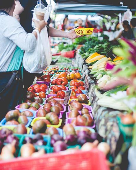 SNAP Fay Farmers Market Zoe Rom.jpg
