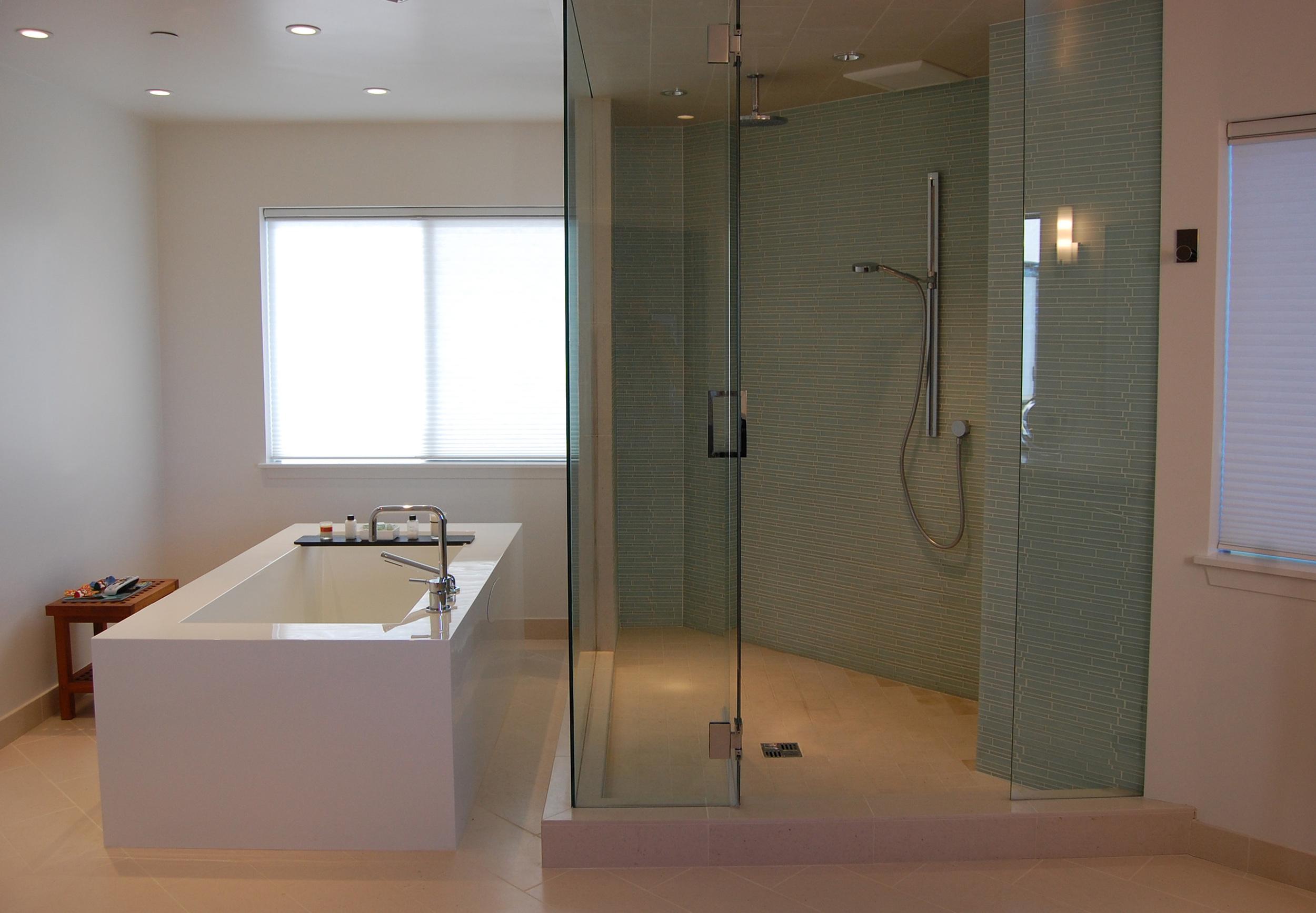 Bobroff Tub Shower.jpg