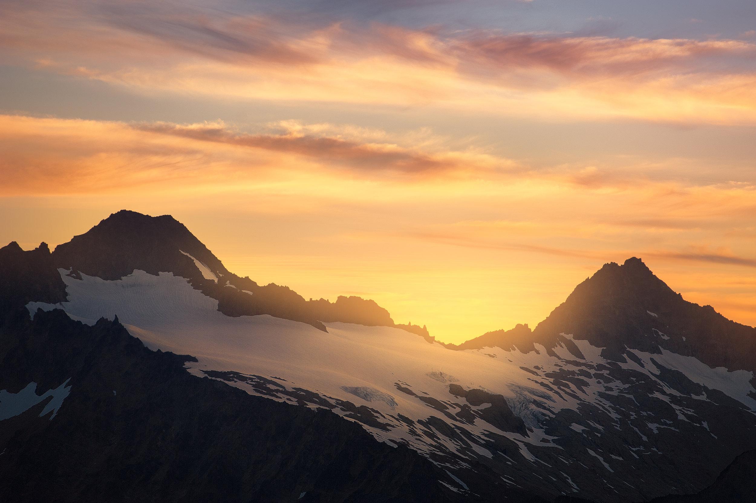 northwest peaks_3600px.jpg