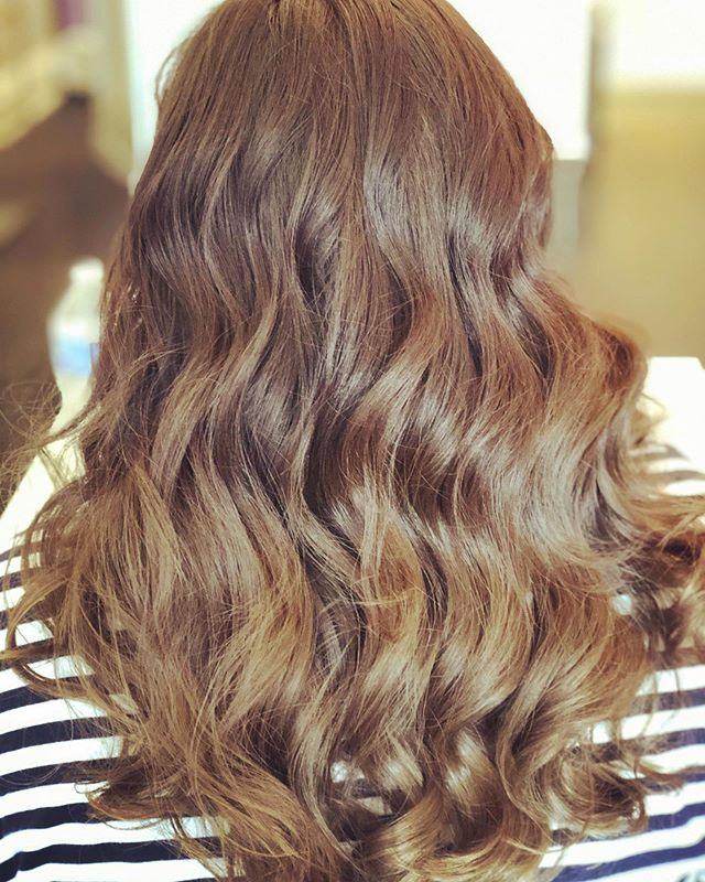 A fresh blowout can lead the way to a great day! Come celebrate back to school with 20% off services and packages this Wed-Fri - use code BACKTOSCHOOL online! ✨ (Does not include extension services) . . . #glowblo #backtoschool #momsday #momtime #blowout #blowdry #blowdrybar #blowdrybarpittsburgh #greathair #hairinspo #goodhairday #hairlove #waveyhair #pittsburghsalon #sewickleysalon #exploresewickley