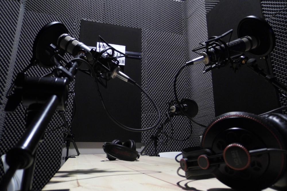 Podcast studio hire, podcast hire, hire podcast studio, london podcast studio, make a podcast