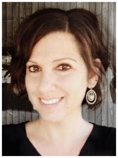 Amanda Headshot.jpg
