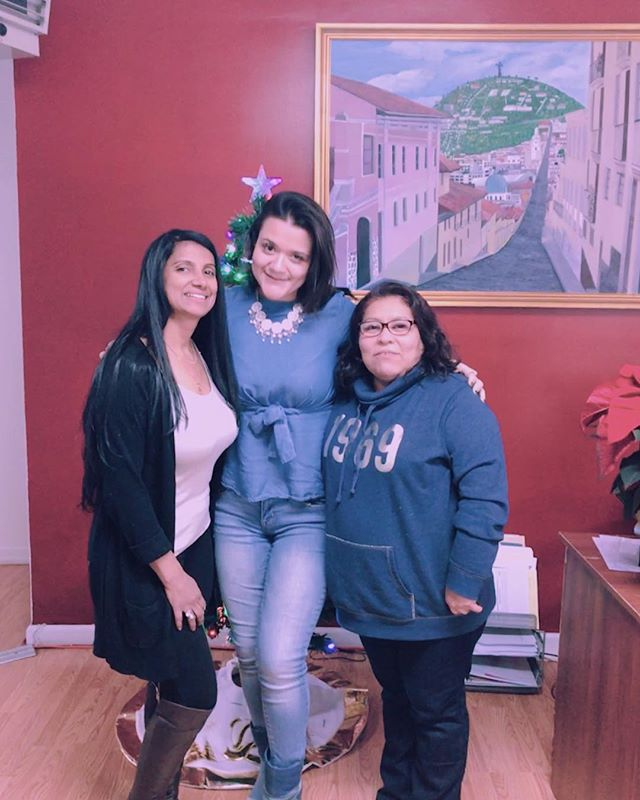 """I remember that I met and served these two beautiful individuals the first time I started Vita Center Inc. in 2015, one of my first students.- 🌹 Through the years they have seen how teaching, and my surrounding environment has sharpened me.- 🌹 I am a better teacher because of students like them, because of the way we have all been able to learn through each other's experiences, and the tools learned along the way.- 🌹 It's an honor to be able to serve them both once again in 2018, and help them obtain the certifications and renewals they need for their CDA.- 🌹 Here for you before your next renewal and after #womanyouarevita!""- 🌹 Note from founder @jxhanna.echeverria"