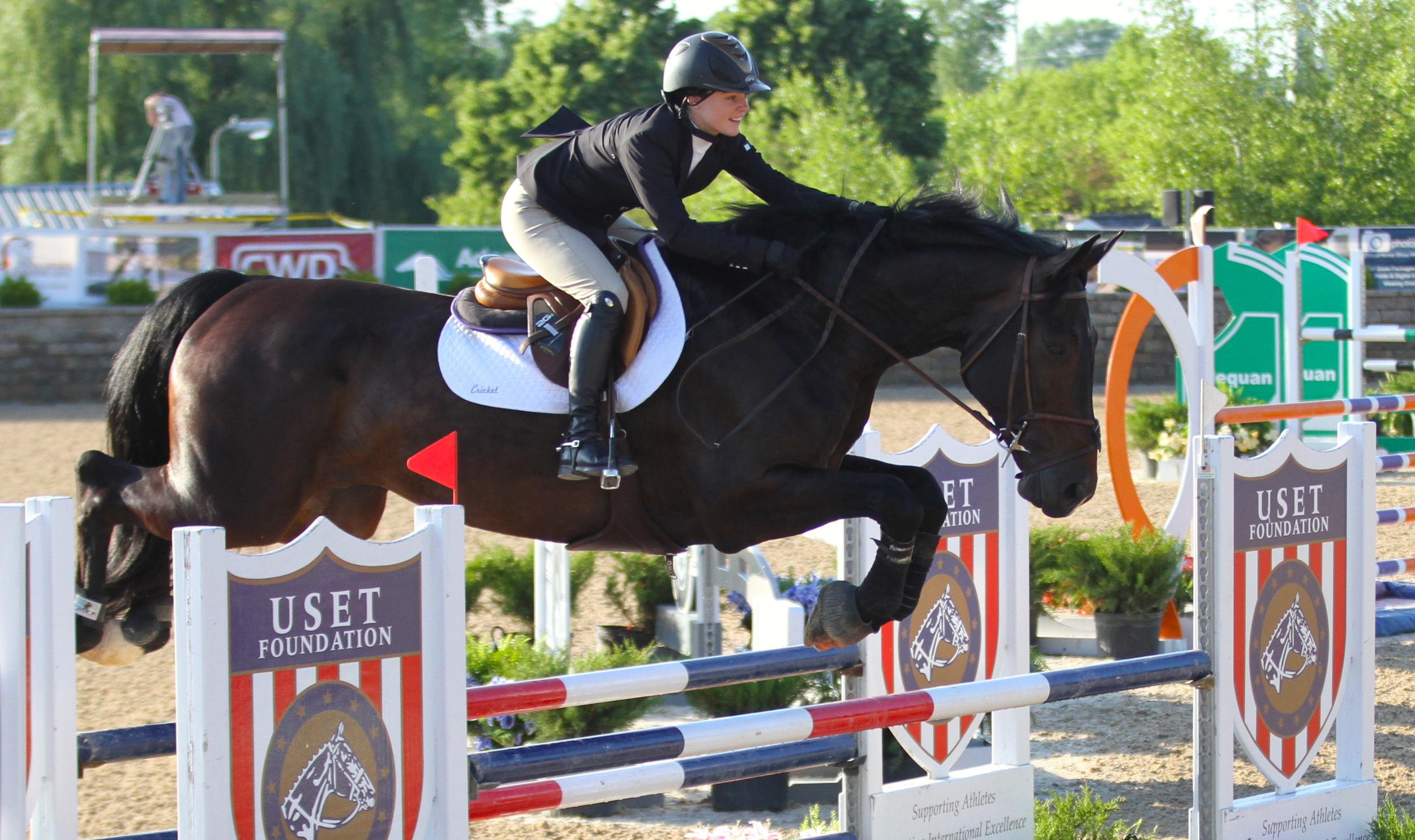 Tory Van Uithoven and Cricket won the Low Amateur-Owner Jumpers