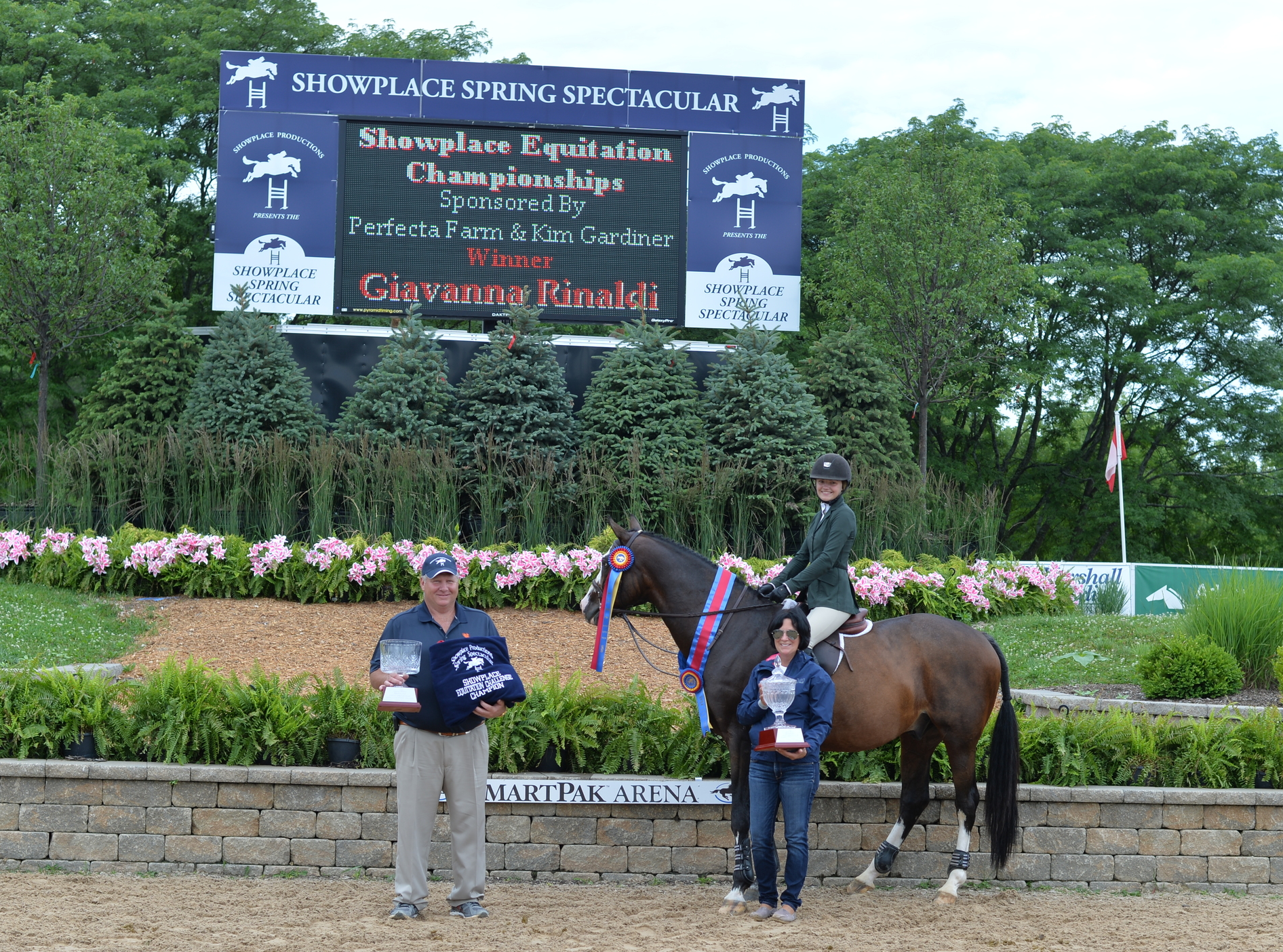 Giavanna Rinaldi receives the award for the Equitation Challenge.. Photo by Andrew Ryback Photography