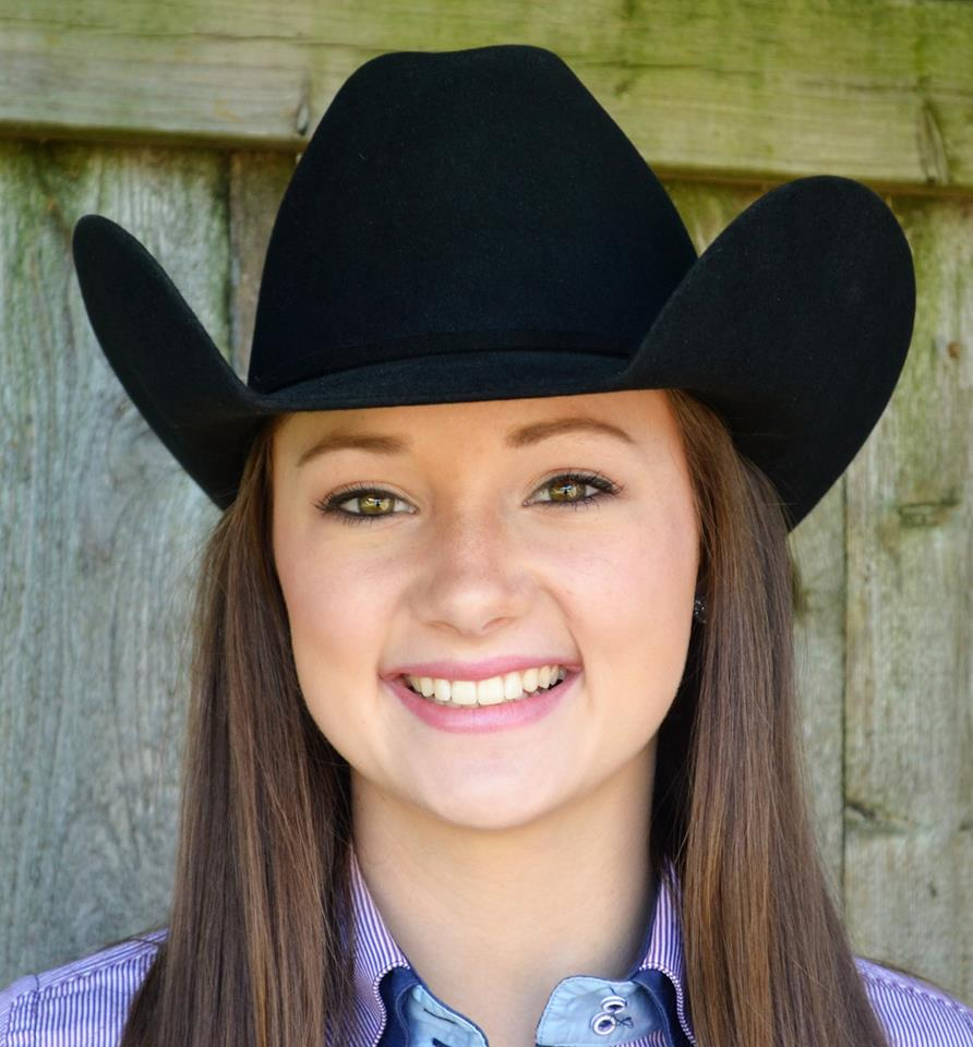 Hanna Hedderick is one of eight IHSA riders that will compete in the AQHA Collegiate Horsemanship Championship. Photo courtesy of Hanna Hedderick