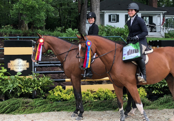 3' Equitation reserve champion Mia Chimenti and Chocolat 15 and champion Dylan Bentley aboard Focto. Special thanks to Back on Track USA for providing their Therapeutic Mesh Sheet as awards for Monmouth at the Team champions. Photo by EQ Media