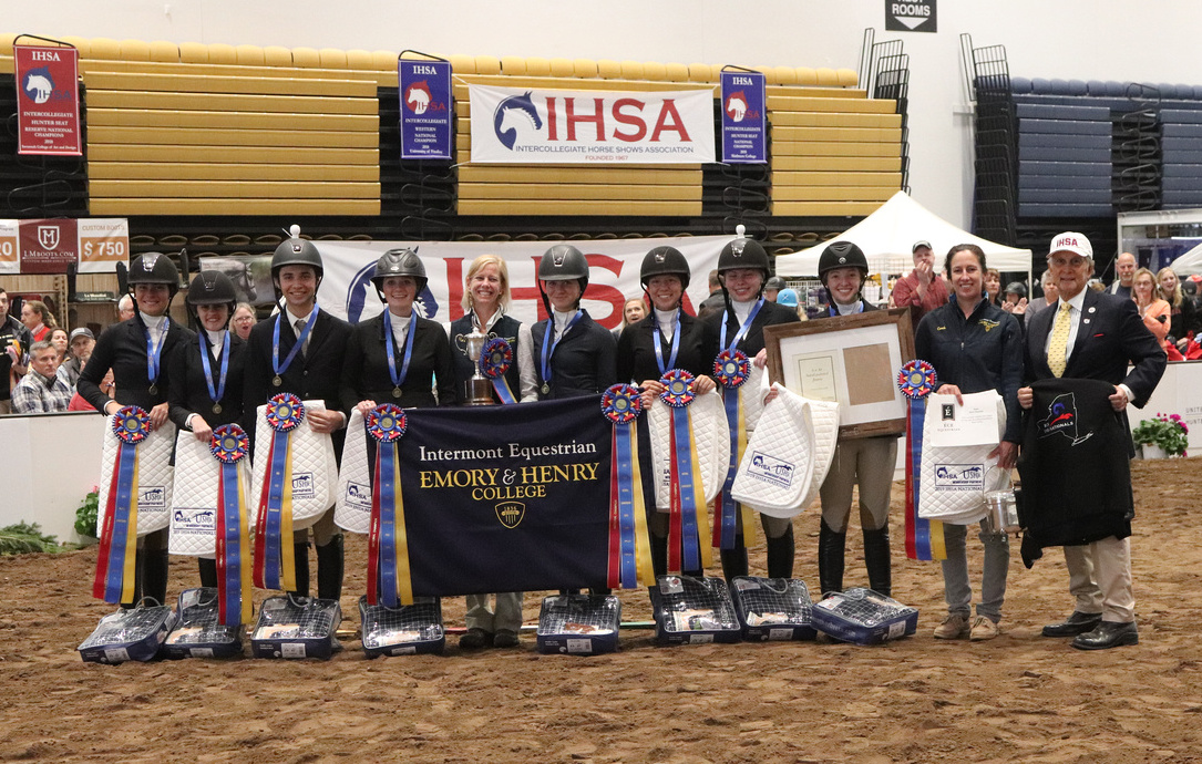 Intermont Equestrian at Emory & Henry is the 2019 IHSA USEF/Collegiate Cup Champion team. Photo by alcookphoto.com